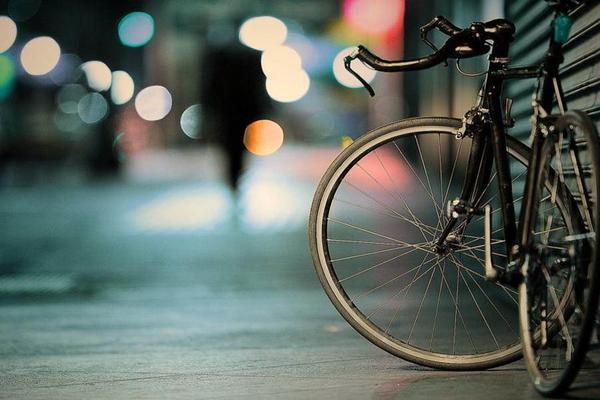 霓虹灯下的自行车PPT背景图片
