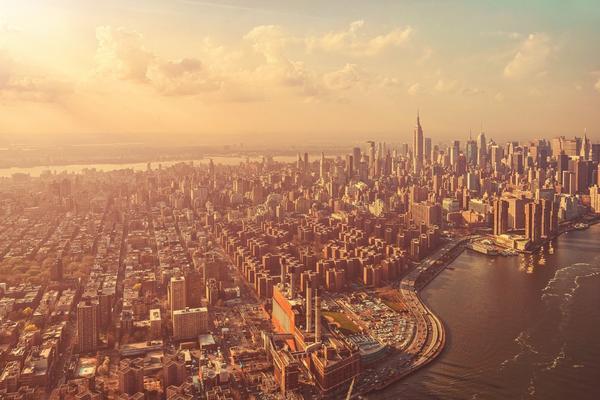 金色海滨城市PPT背景图片