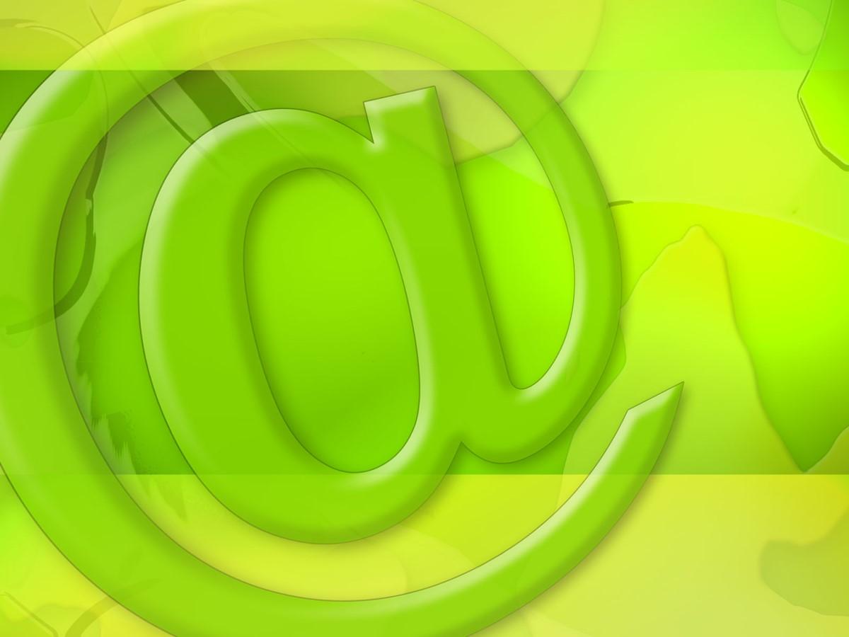 绿色@符号网络科技PPT模板 网络科技类PPT